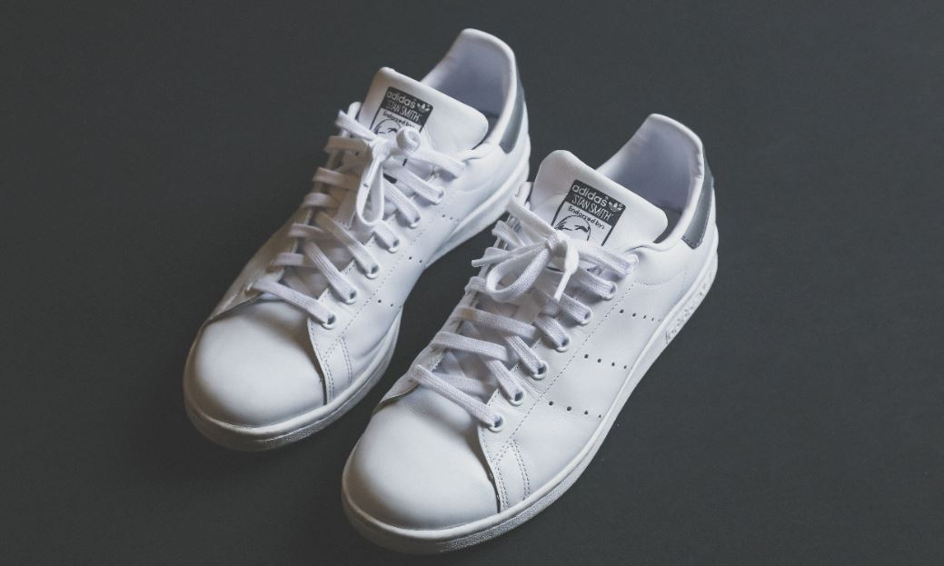 Viva Te mejorarás obvio  Deutsche Bank's special new shoes | eFinancialCareers